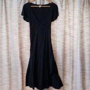 5/$25 Old Navy Maternity Dress Navy Size Small